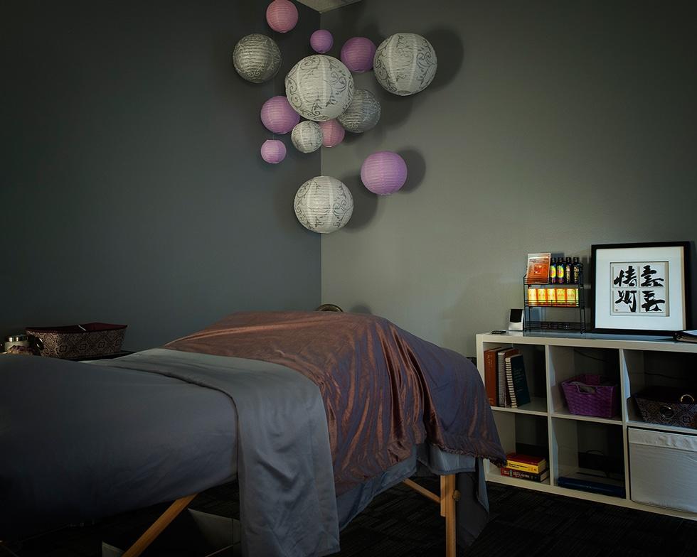 ecw acupuncture room Chiropractor Denver